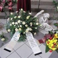 Grab- und Blumenschmuck